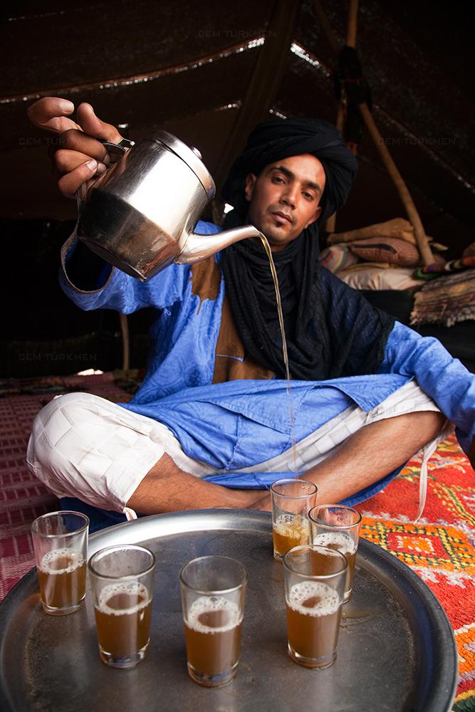 morocco-sahara desert-chai-Bedouin
