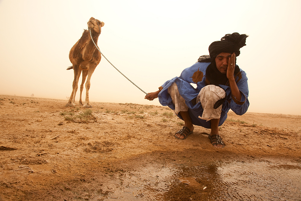 morocco-sahara desert-water-Bedouin