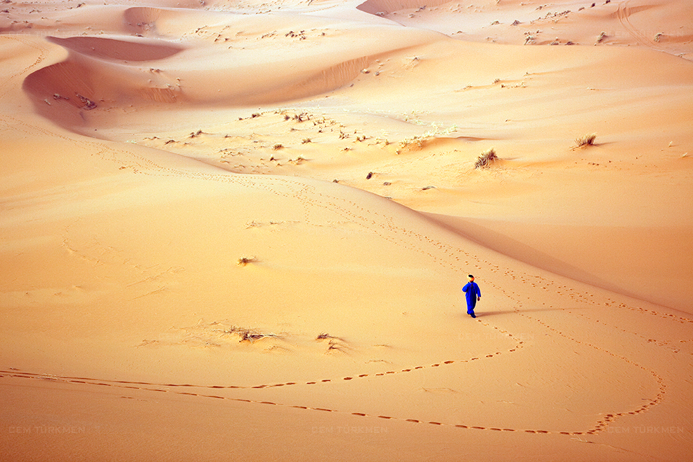 morocco-sahara desert-tuareg-blue